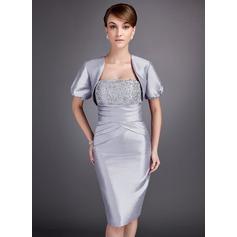 Etui-Linie Trägerlos Knielang Taft Kleid für die Brautmutter mit Rüschen Spitze Perlen verziert