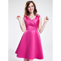 A-Line/Princess V-neck Knee-Length Satin Bridesmaid Dress With Ruffle Bow(s)