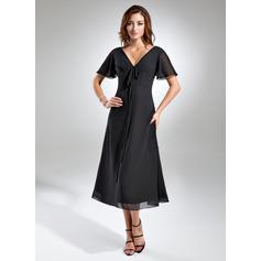 A-Linie/Princess-Linie V-Ausschnitt Wadenlang Chiffon Kleid für die Brautmutter mit Rüschen Schleife(n)