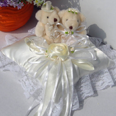 Ring Pillow With Lovely Bear Lace