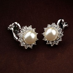 Gorgeous Alloy Imitation Pearls With Rhinestone Ladies' Fashion Earrings