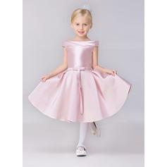 A-Line/Princess Short/Mini Flower Girl Dress - Satin Short Sleeves Bateau With Sash