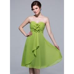 A-Line/Princess Sweetheart Knee-Length Chiffon Bridesmaid Dress With Flower(s) Cascading Ruffles