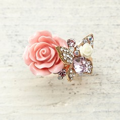 Flower Shaped Alloy Resin Crystal With Rhinestone Ladies' Fashion Rings