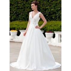Forme Princesse Col V Traîne moyenne Taffeta Robe de mariée avec Plissé Emperler