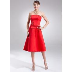 A-Line/Princess Strapless Knee-Length Satin Bridesmaid Dress With Sash Beading Bow(s)