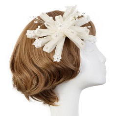 Classic Net Flowers & Feathers