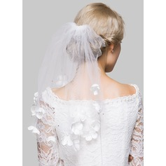 One-tier Shoulder Veils With Cut Edge