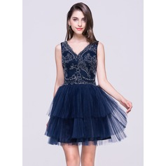 A-Line/Princess V-neck Short/Mini Tulle Homecoming Dress With Lace Pleated