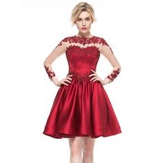 A-Line/Princess Scoop Neck Knee-Length Satin Cocktail Dress With Appliques Lace