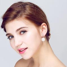 Elegant Pearl/Rhinestones Ladies' Earrings