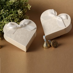 Heart-shaped Favor Boxes With Bow (Set of 12)