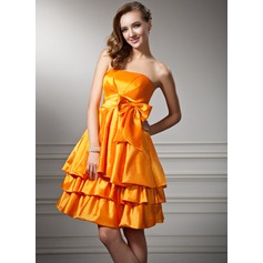 Empire Strapless Knee-Length Taffeta Homecoming Dress With Ruffle Bow(s)