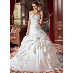 Ball-Gown Sweetheart Chapel Train Taffeta Wedding Dress With Ruffle Lace Beading