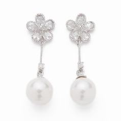 Flower Shaped Pearl/Zircon Ladies' Earrings