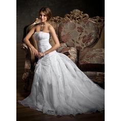 Forme Princesse Bustier en coeur Traîne moyenne Satiné Organza Robe de mariée avec Plissé Dentelle Emperler