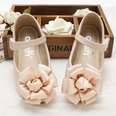 Girl's Leatherette Flat Heel Closed Toe Flats With Velcro Flower (207102006)