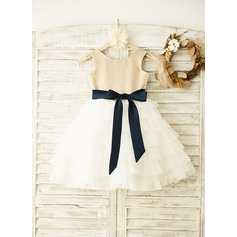 A-Line/Princess Knee-length Flower Girl Dress - Satin/Tulle Sleeveless Scoop Neck With Sash/Bow(s)/V Back