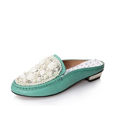 Suede Low Heel Closed Toe Slippers Flats With Beading (086026315)