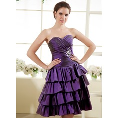 A-Line/Princess Sweetheart Knee-Length Taffeta Homecoming Dress With Beading Cascading Ruffles
