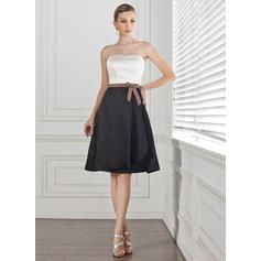A-Line/Princess Sweetheart Knee-Length Satin Bridesmaid Dress With Sash Bow(s)