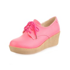 Leatherette Wedge Heel Platform Closed Toe With Lace-up shoes (117046816)
