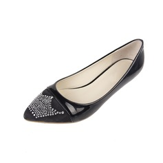 Couro Brilhante Salto baixo Bombas Fechados com Imitação de diamante sapatos