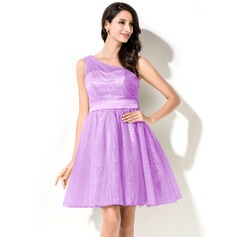 A-Line/Princess One-Shoulder Short/Mini Tulle Homecoming Dress With Ruffle