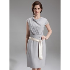 Nauwaansluitend Losse Kraag Knie-Lengte De Chiffon Kate Middleton Stijl met Roes Ceintuurs (044007573)