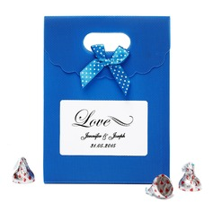 "Personalized ""Love"" Nonwoven Fabric Favor Bags With Bow (Set of 12)"