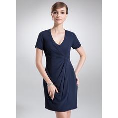 Sheath/Column V-neck Short/Mini Chiffon Cocktail Dress With Ruffle