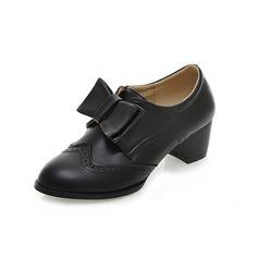 Imitação de couro Salto baixo Bombas Fechados com Da curva sapatos