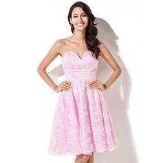 A-Line/Princess Sweetheart Knee-Length Homecoming Dress With Beading