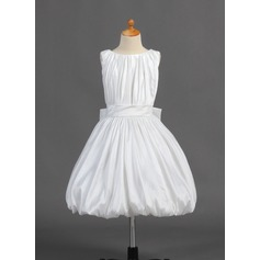 A-Line/Princess Tea-length Flower Girl Dress - Taffeta Sleeveless Scoop Neck With Ruffles/Bow(s)
