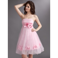 Empire Strapless Knee-Length Tulle Homecoming Dress With Ruffle Flower(s)