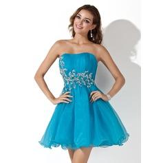 A-Line/Princess Sweetheart Short/Mini Organza Homecoming Dress With Ruffle Sequins