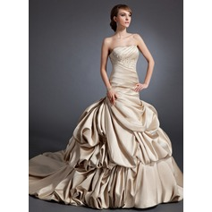 A-Line/Princess Sweetheart Chapel Train Satin Wedding Dress With Ruffle Beading Appliques Lace