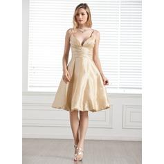 A-Line/Princess Sweetheart Knee-Length Taffeta Bridesmaid Dress With Ruffle