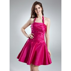 A-Line/Princess Halter Short/Mini Taffeta Homecoming Dress With Ruffle Beading