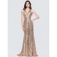Trumpet/Mermaid V-neck Sweep Train Sequined Prom Dresses (018146379)