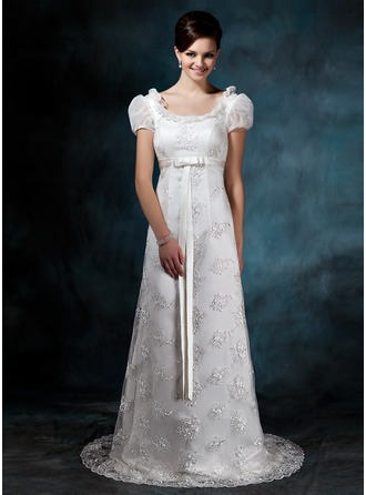 Sheath/Column Scoop Neck Sweep Train Lace Wedding Dress With Appliques Lace Bow(s)