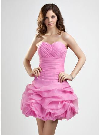 A-Line/Princess Sweetheart Short/Mini Organza Homecoming Dress With Ruffle