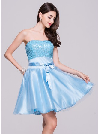 A-Line/Princess Strapless Short/Mini Tulle Charmeuse Lace Homecoming Dress With Bow(s)