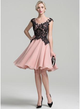 A-Linie/Princess-Linie V-Ausschnitt Knielang Chiffon Kleid für die Brautmutter