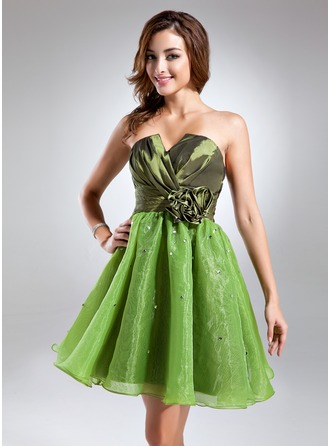 A-Line/Princess Scalloped Neck Short/Mini Taffeta Organza Cocktail Dress With Ruffle Beading Flower(s)