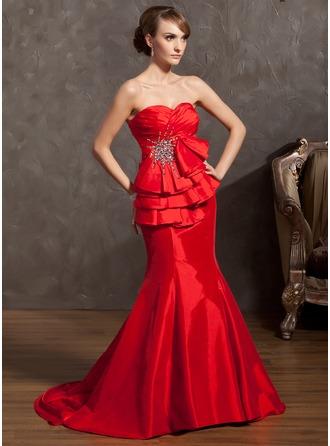 Trompete/Meerjungfrau-Linie Herzausschnitt Gericht Schleppe Taft Festliche Kleid mit Rüschen Perlen verziert