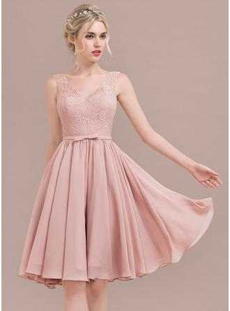 A-لاين أميرة V عنق طول الركبة الشيفون ربط الحذاء فستان وصيفة الشرف مع أقواس