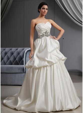 Corte A/Princesa Escote corazón Barrer/Cepillo tren Satén Vestido de novia con Volantes Bordado
