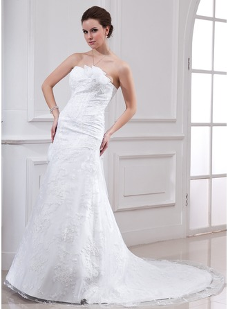 A-Line/Princess Sweetheart Chapel Train Satin Lace Wedding Dress With Beading Flower(s)