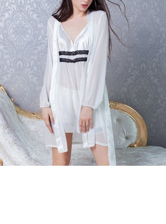 Chiffon Feminine Sleepwear(Including Chemise,Shorts and Robe)
